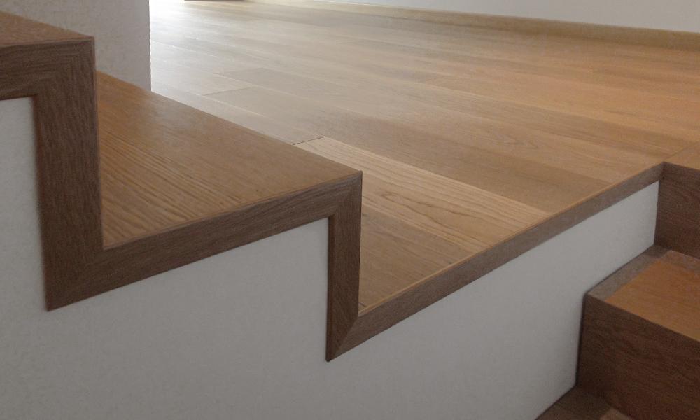 Produzione e montaggio scale artigianali brescia for Coprigradini per scale in legno
